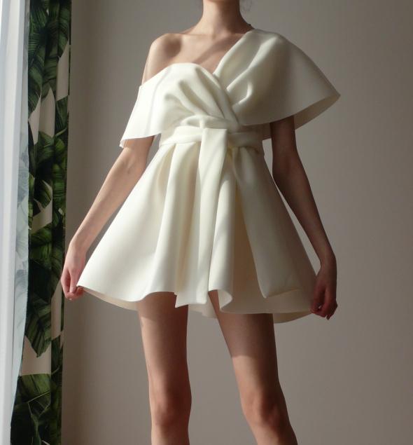 Sukienka rozkloszowana biała biel Asos 38 40 z paskiem kokarda...