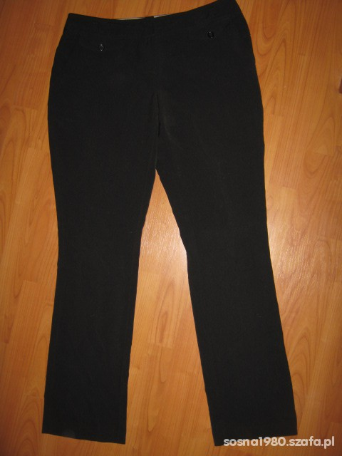 Spodnie zwężane nogawki