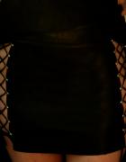 czarna skórzana spódnica z wiązaniami...