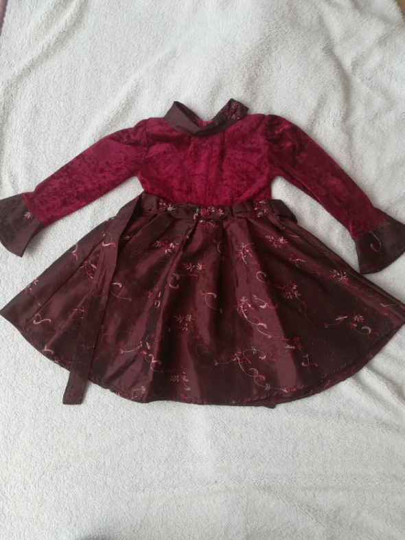 Elegancka sukienka dla małej dziewczynki rozm 116