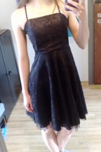 Sukienka mała czarna na ramiączkach koronkowa XS...