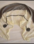 Piękna chusta szal z koronką nietypowa...