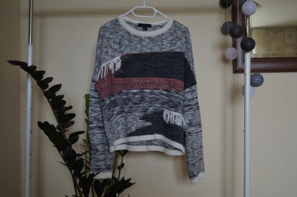 Sweterek z długim rękawem...