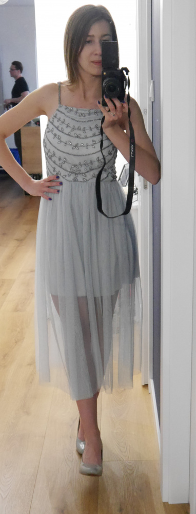 Szara srebrna sukienka 36 S zwiewna tiulowa...