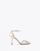 Sandały na obcasie firmy Uterque z cienkimi paseczkami srebrno złote