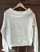 Szaro bialy sweterek
