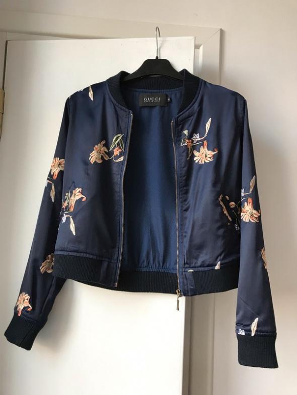 Odzież wierzchnia Satynowa niebieska damska kurtka bomberka