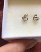 Śliczne srebrne kolczyki wkręty z Apartu 925...