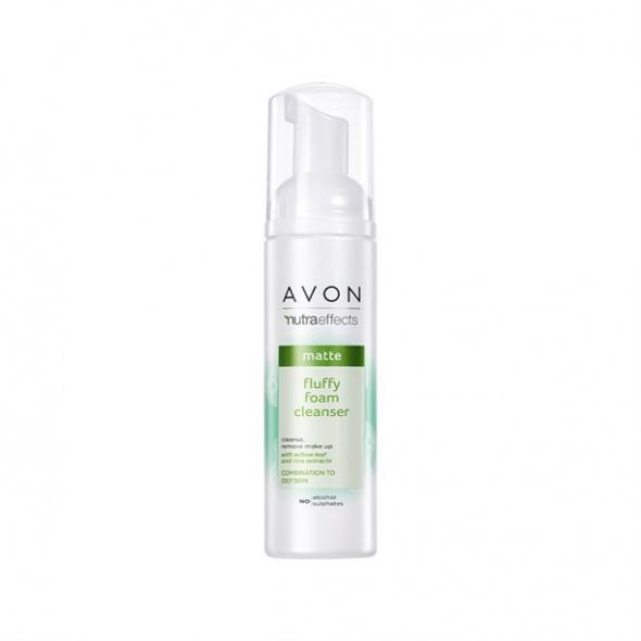 Odświeżająca pianka do oczyszczania twarzy Avon
