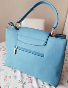 Niebieska torebka...