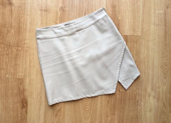 Spódnice Forever21 spódnica beżowa nude asymetryczna skórzana M