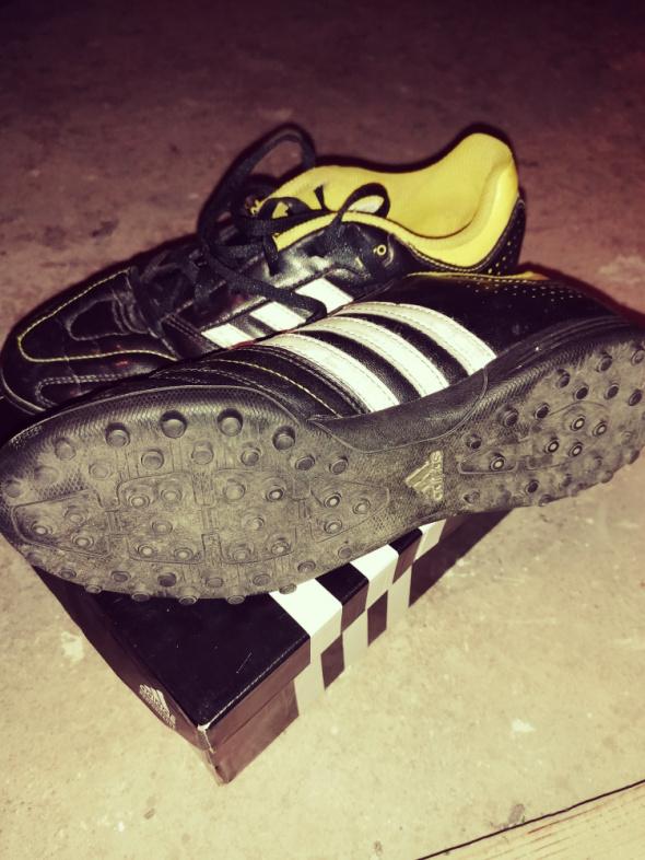 Adidas turfy piłka nożna