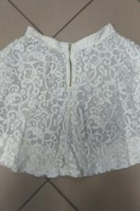 Biała spódnica mini koronka rozkloszowana XS 34...