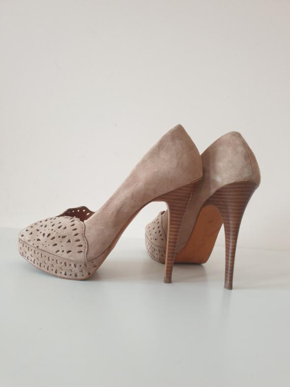 ZARA buty na obcasie szpilki 39 zamsz skóra brązowe beżowe eleganckie