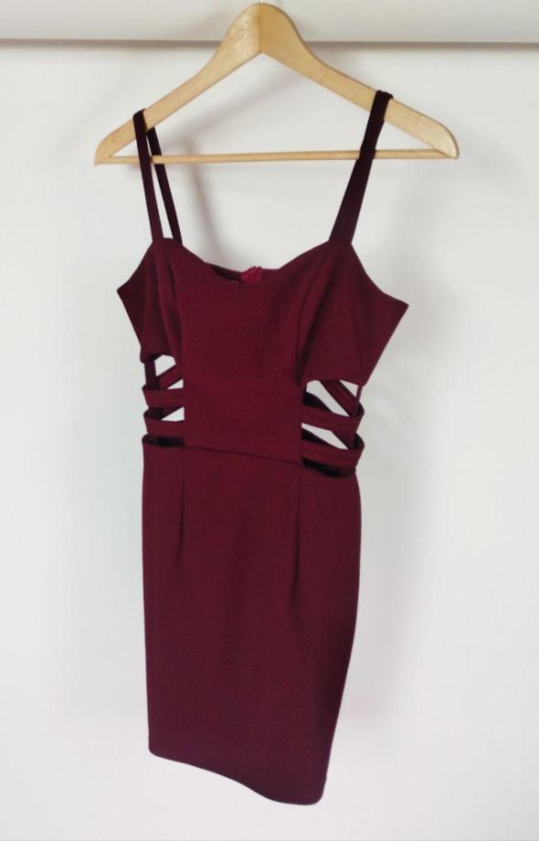Sukienka bordowa dopasowana z międzyświęciami XS wzrost 165