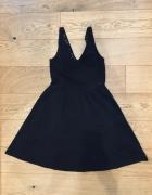 Czarna sukienka H&M...
