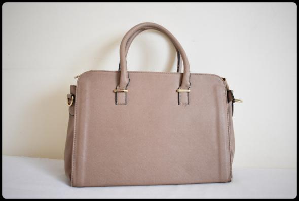 Beżowa torba usztywniana kuferek...