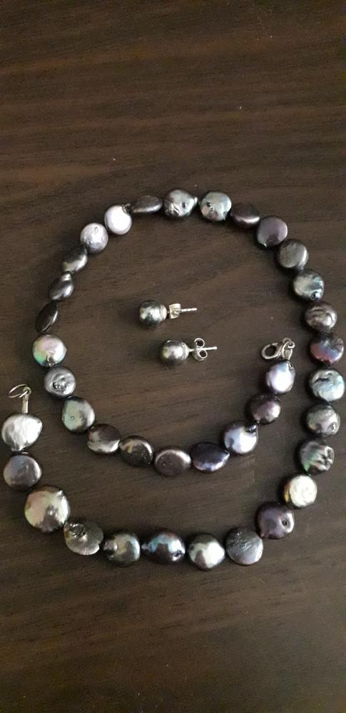 Czarne perły hodowlane
