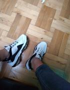 Sneakersy biało czarne buty sportowe 39...