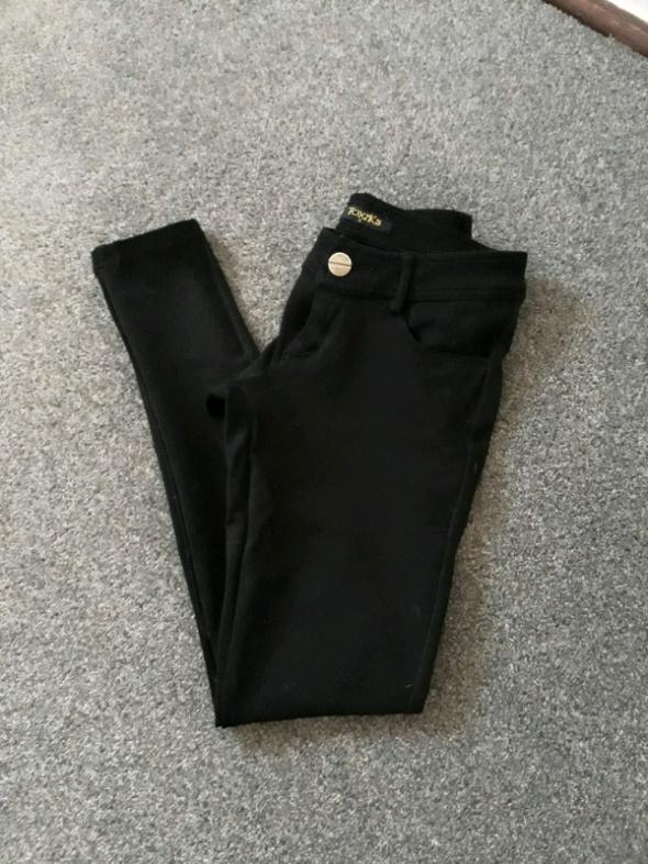 Spodnie czarne