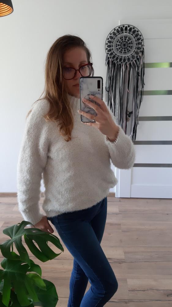 Biały gruby sweter M półgolf