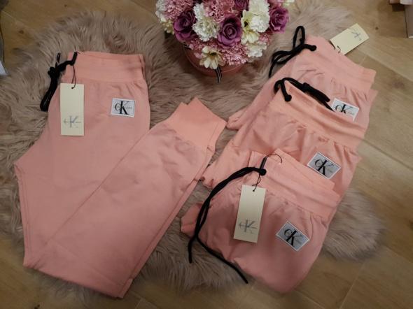 Spodnie dresowe morelowe Calvin Klein S M L XL...