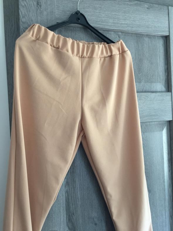Dresy Bezowe nowe spodnie dresowe S XL