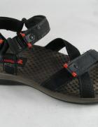 Ecco sportowe sandały...