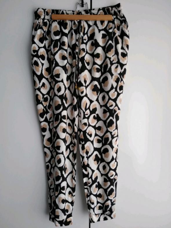 Cienkie lekkie spodnie