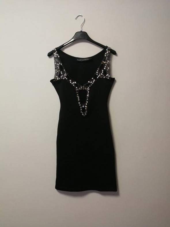Czarna sukienka boohoo night kamienie xs dopasowana