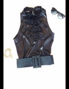 Czarny top z żabotem Zara