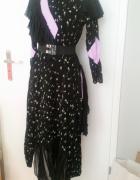 Piękna czarna sukienka z kwiatkami i falbankami Asos...