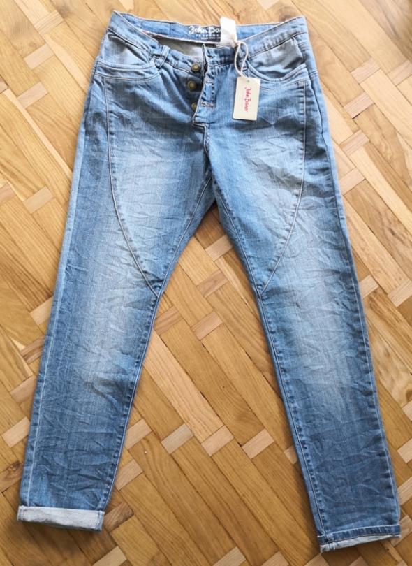 Spodnie Nowe jeansy typu boyfriend