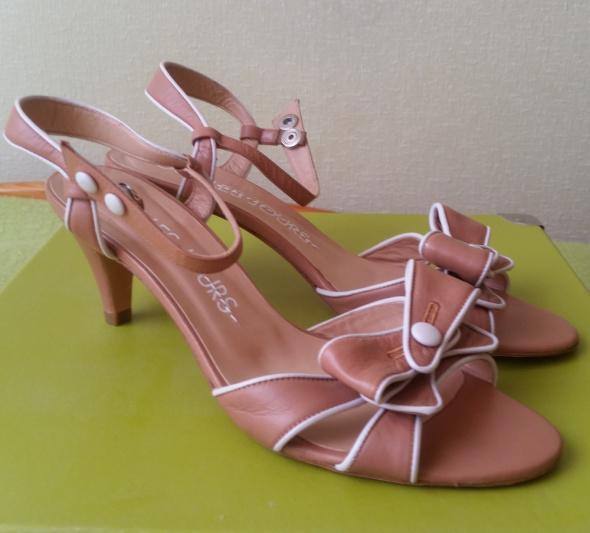 Sandały Nowe hiszpańskie skórzane sandałki rozmiar 39
