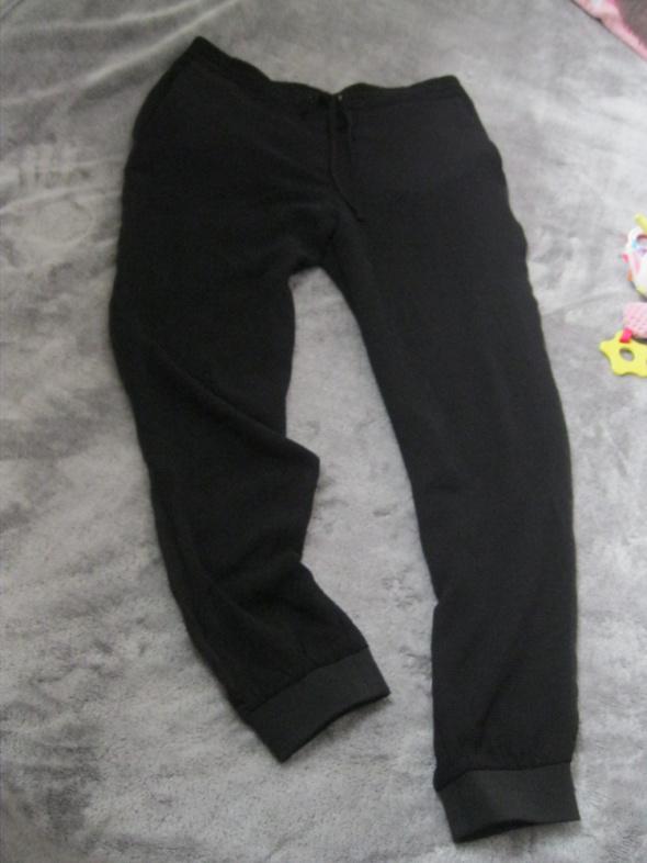 Spodnie luźne spodnie joggery Zara M czarne