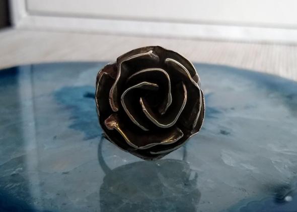 Stary srebrny pierścionek Rytosztuka róża