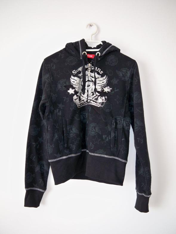 Czarna bluza z kapturem gwiazdy rockowa srebrna emo gothic orze...