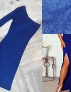 Sukienka maxi kuszące rozcięcie na udzie...