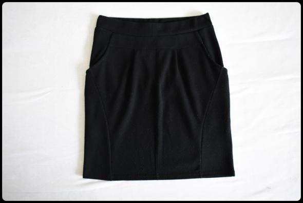C&A czarna spódnica na gumce z kieszeniami 38 M