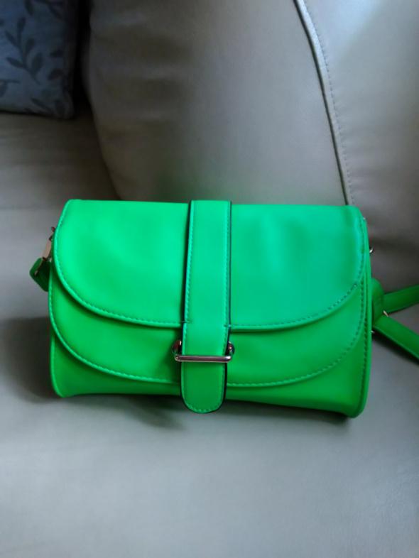 Zielona neonowa torebka HIT