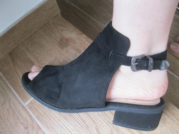 sandały YD czarne zamsz 37 klocek