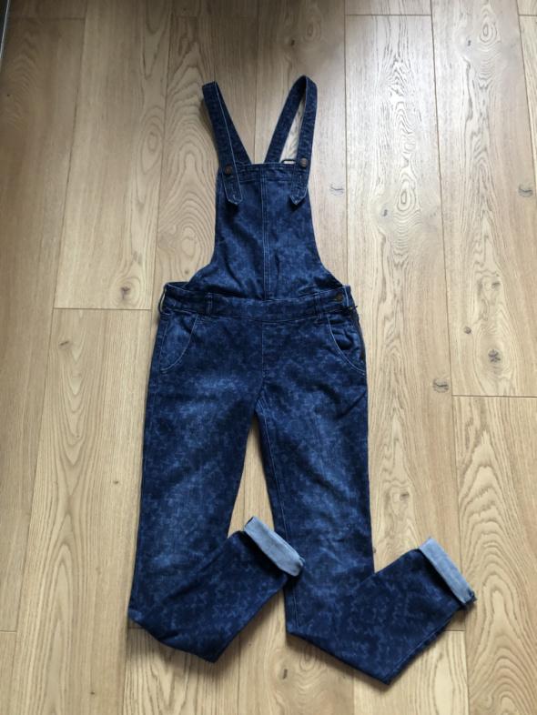 Hollister ogrodniczki xs s spodnie jeans...