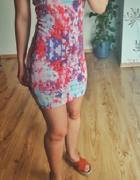 Krótka sukienka mini kolorowa bez ramiączek S Only obcisła