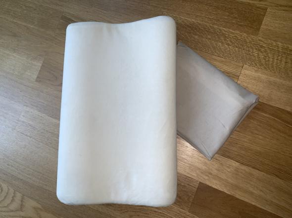 Szwedzka poduszka ortopedyczna Qmed dla dzieci poszewka