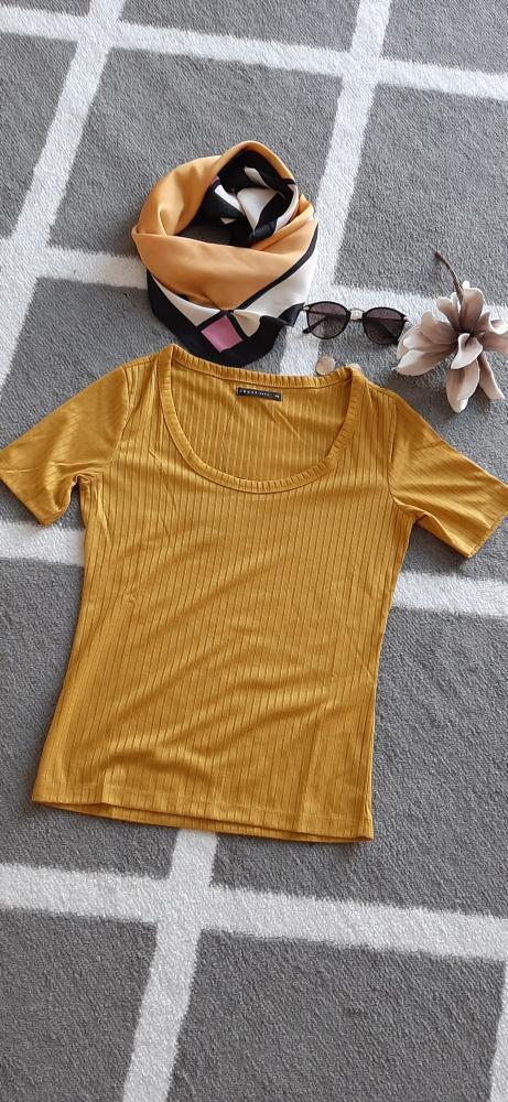 żółty top z prążkowanej dzianiny rozmiar XS...