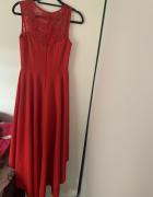Czerwona suknia dłuższa z tyłu...