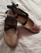 Złote baleriny Zara...