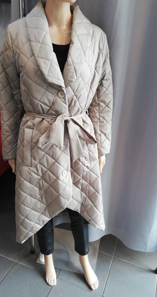 Nowy asymetryczny płaszcz