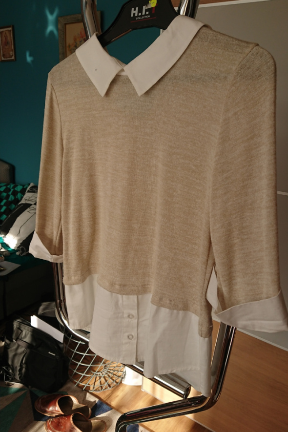 Damska bluzka sweter białobeżowa