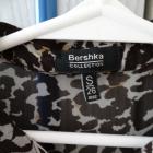Panterkowa bluzka z kołnierzykiem Bershka